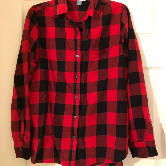 885be2590ac37 Old Navy red black flannel button down shirt. New